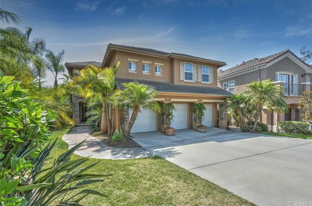 6982 DERBY CR, HUNTINGTON BEACH | $2 Million Dollar Listing